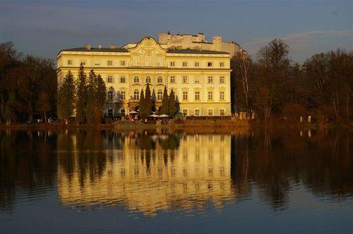 Schloss, reflected