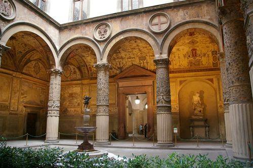 inside the P.Vecchio